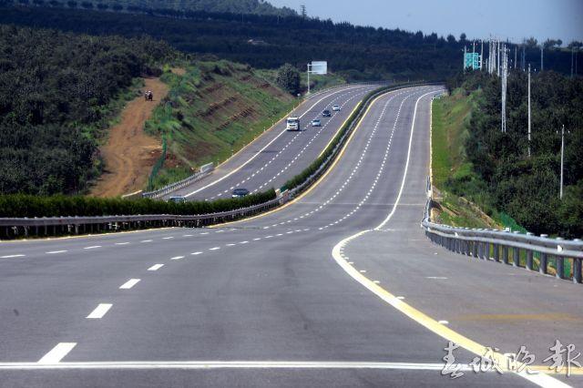 黄马高速是国家高速公路网中渝昆高速公路(g85)和昆磨高速公路(g8511